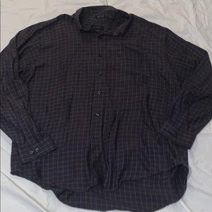 5/$20 Men's Van Heusen buttons down shirt